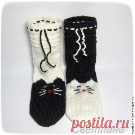 Вязание на 5 спицах: носки «Мурчащие» своими руками Одна моя знакомая, любительница кошек, захотела себе «мур-р-рчащие» носочки. Ивот впроцессе вязания ярешила сделать мастер-класс, может, кому-нибудь ипригодится.
