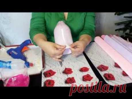 В этом подробнейшем МК вы научитесь наряжать куклу в платье из гофробумаги с цветами из конфет. Внутри подола платья скрывается тайник для небольшого подарка...