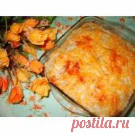 КаИнгредиенты для «Картофельная запеканка с куриным фаршем»: Картофель (сырой, средний) — 6 шт Яйцо куриное (вареное) — 1-2 шт Фарш мясной (куриный) — 300-400 г Сыр твердый (немного в фарш, остальное на посыпку) — 100 г Майонез (немного для смазывания) Специи (соль, перец - по вкусу) Паприка сладкая (молотая, по вкусу)ртофельная запеканка с куриным фаршем Кулинарный рецепт