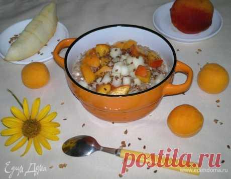 Гречневая каша с творогом и фруктами. Ингредиенты: гречневые хлопья, вода, соль