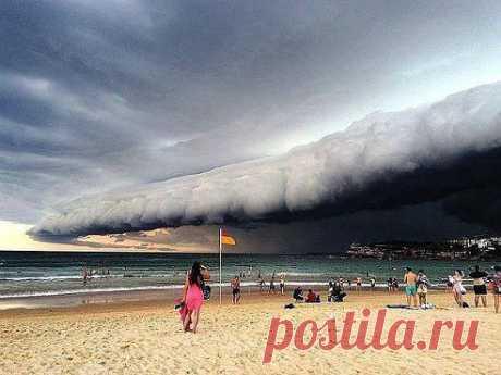 Небесное цунами над Сиднеем!