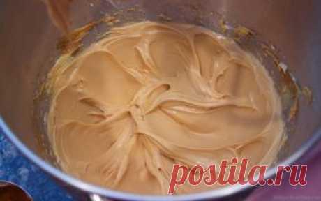 Карамельный крем — идеальная начинка для любых тортов и пирожных! Читать далее...
