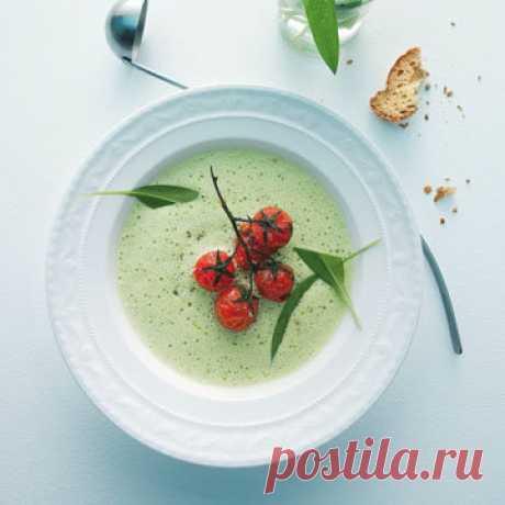 Как приготовить овощной суп  Эти рецепты супа содержат травы и овощи - и много! Прекрасный овощной суп всегда вкусный и полезный.