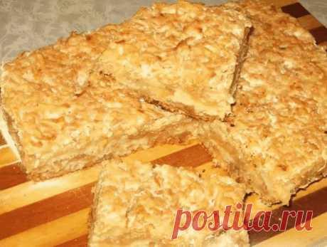 ПИРОГ «3 СТАКАНА» ИЛИ «БОЛГАРСКИЙ ПИРОГ». ГОТОВИТСЯ МОЛНИЕНОСНО!  Этот удивительно вкусный, нежный яблочный пирог с манкой является блюдом болгарской кухни. Если вы сейчас вдруг подумали: «Как это так, печь пирог из манки!», поспешу вас заверить, что ТАКОЙ пирог вас точно не разочарует. Во-первых, сам кулинарный рецепт необычайно прост, не требует никаких особенных кулинарных навыков. Во-вторых, готовится он не просто быстро, а очень быстро. Ну и, наконец, как я уже говори...