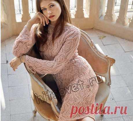 Ажурное вязаное платье - Хитсовет Красивое вязаное ажурное платье для женщин со схемой и пошаговым бесплатным описанием вязания спицами.