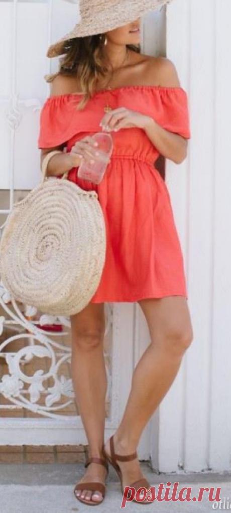 Как сшить приталенное платье с воланом на плечах | otlicno.ru