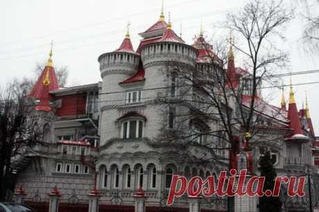 Обыкновенное чудо: сказочная школа в Йошкар-Оле (Россия)