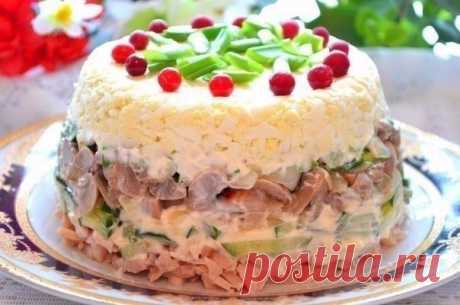 Как приготовить куриный салат с яйцами и грибами - рецепт, ингридиенты и фотографии
