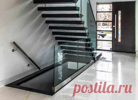 Изготовление лестниц, ограждений, перил Маршаг – Самонесущие перила консольной лестницы