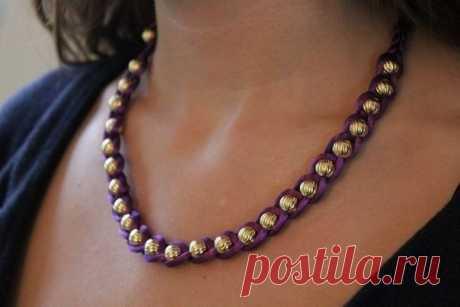 Плетем оригинальный браслет или бусы