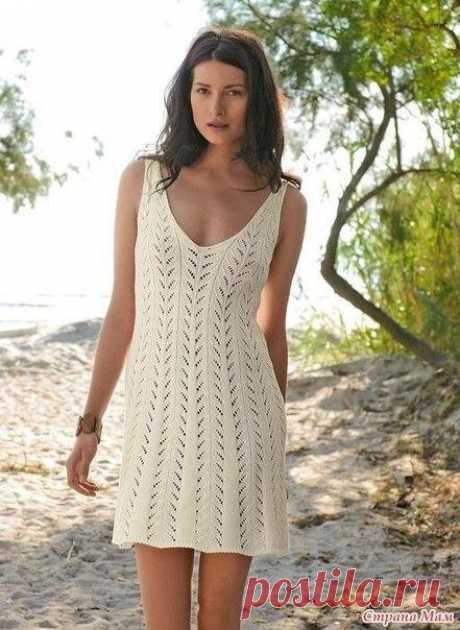Очаровательное летнее платье спицами.