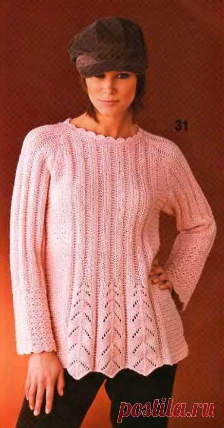 Пуловер с рельефными узорами.