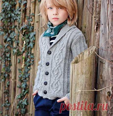 Кардиган с «косами» для мальчика — схема вязания спицами с описанием на BurdaStyle.ru