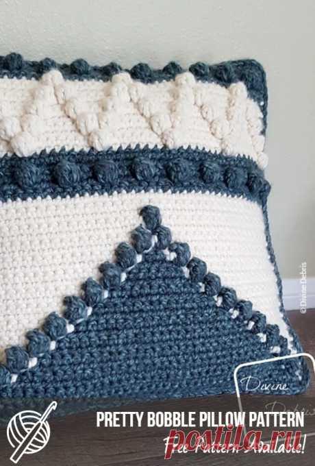 Easy Crochet Pillows With Free Patterns   Patterns Center #crochet #crochetpatterns #freecrochet   #diyproject #howto #crochetlove #handmade #crafts #pillow #crochetpillow #pilowpatterncrochetfree