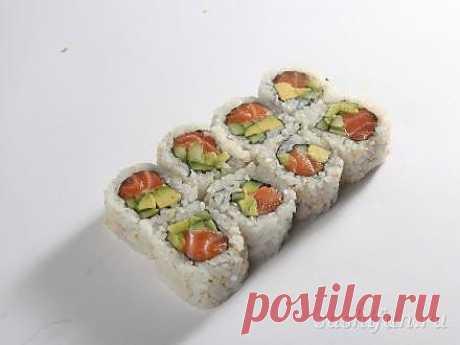 Урамаки с лососем и авокадо | рецепт | sushifan.ru