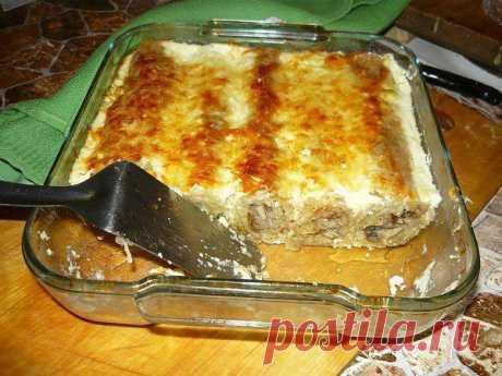 El plato admirable para los que no come zharennoe — Draniki cocidos con las setas