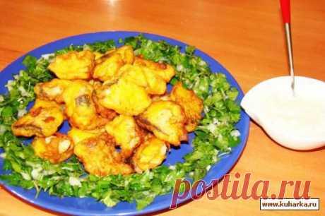 Рецепт: Рыба в кляре с огуречно-майонезным соусом