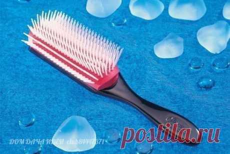 КАК БЫСТРО ПОЧИСТИТЬ РАСЧЕСКУ чистая расческа - это залог красивых и здоровых волос  1. В банку или другую посуду наливаете воду   Показать полностью…