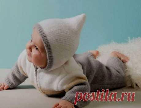 """Детский комбинезон вязаный спицами со схемами, описанием и видео МК. Модели - «Мишка», из """"кос"""", конверт-комбинезон, серый, голубой, меланжевый и др."""