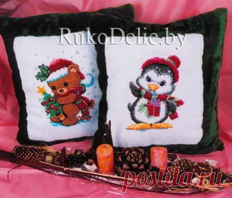 Диванные подушки с вышитыми крестиком новогодними сюжетами :: Подушки :: Вышивка крестиком :: RukoDelie.by