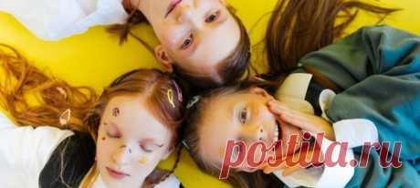 Детская мечты: мама трех дочек придумала, как разместить их в комнате, чтобы на все было место. Секрет в том, чтобы у каждой девочки было свое собственное пространство.