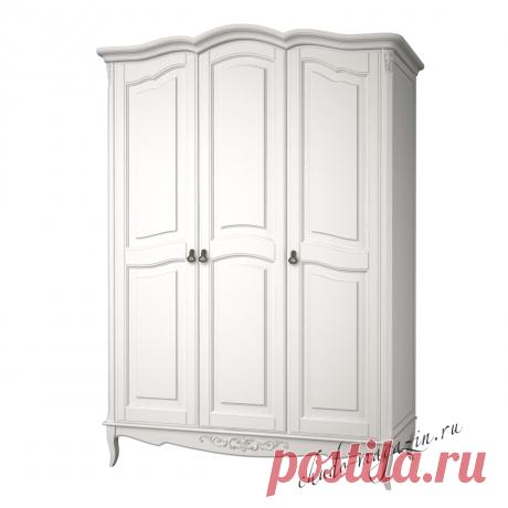 Классический шкаф 3 х дверный распашной
