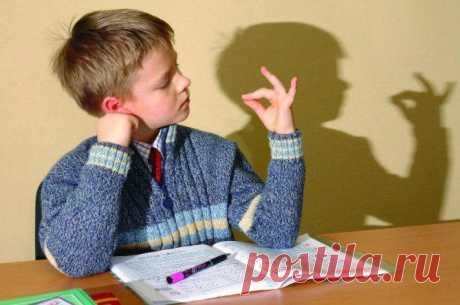 7 простых упражнений для развития внимания и памяти у ребенка Каждый малыш с рождения реагирует на разные раздражители — яркий свет, музыку, прикосновение и др. Эти реакции называют непроизвольным вниманием. Они возникают сами по себе, и ребенок не может их конт...