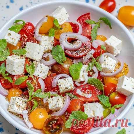 Салат из черри и сыра фета