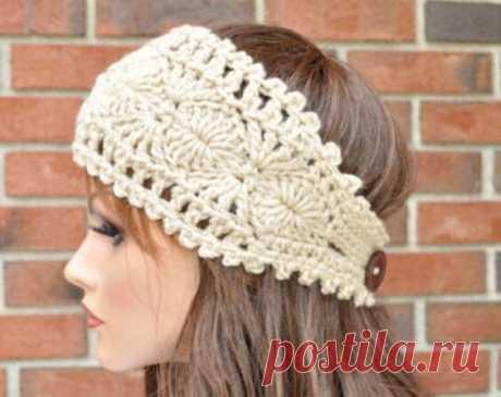Красивая повязка на голову в винтажном стиле связанная крючком