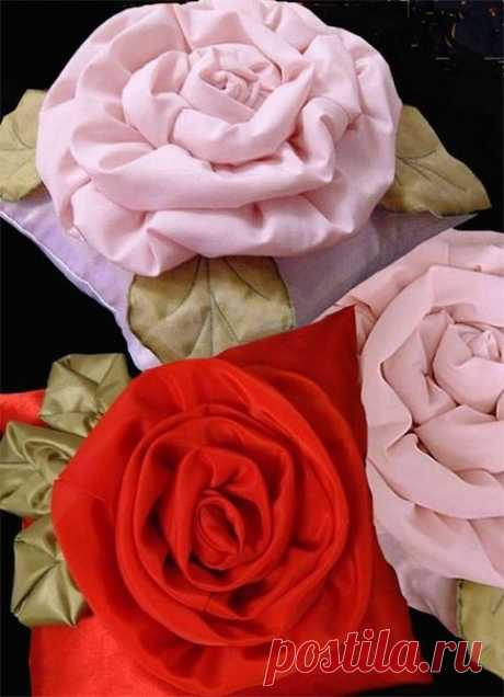 Оригинальная подушка-роза