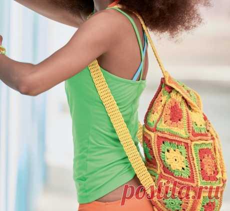 Рюкзак из ажурных квадратных мотивов