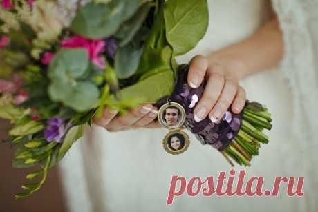 Юлия и Константин поженились в прекрасное время для свадьбы — ранней осенью, выбрав в качестве основного цвета различные оттенки фиолетового, в итоге у них получилась насыщенная яркими красками свадьба. А сегодня они поделились с нами своей свадебной историей. Передаём слово молодожёнам и желаем приятного просмотра!