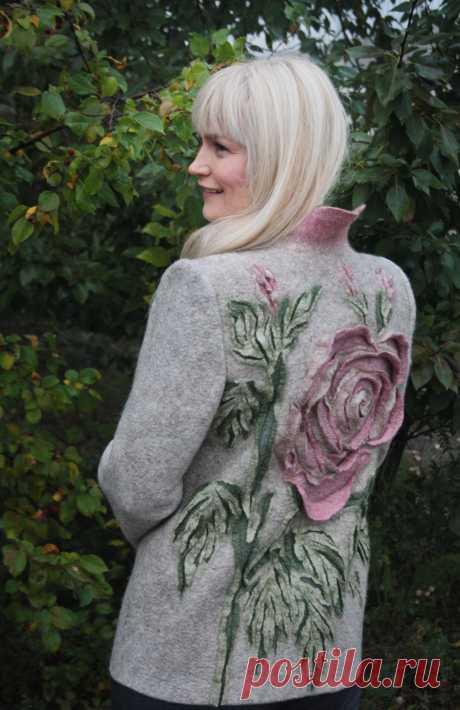 La chaqueta valyanyy la rosa Polvorienta