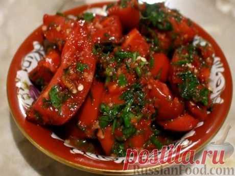 ПОМИДОРЫ ПО- КОРЕЙСКИ Ещё планируете заготовить порцию помидор на зиму? Тогда попробуйте этот рецепт. Вкусно! Зимой, такие помидоры, пойдут на ура. Знакомьтесь с рецептом. Ингредиенты: спелые (не перезрелые) помидоры — 2 кг, морковь — 4 штуки, болгарский перец (цветной) — 5 штук, столовый уксус (9%) — 100 мл, растительное масло — 100 мл, чеснок — 5 зубчиков, молотый перец чили — 1 ст. ложка, соль — 2 ст. ложки, сахарный песок — 100 грамм, свежая зелень петрушки, укропа, ки...