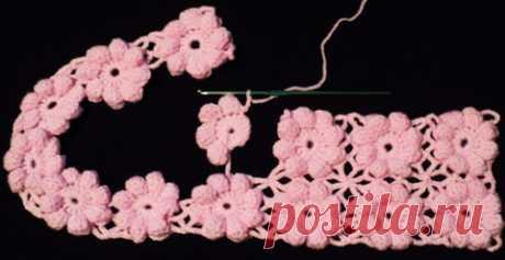 Полотно с объемными цветами Полотно с объемными цветами выполнено в технике безотрывного вязания. Схемы с комментариями составила мастерица Vredina Sabrina.…