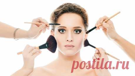Советы визажиста: как избежать ошибок макияжа Прибегая к макияжу, женщины хотят выглядеть красивее и моложе. Но иногда его неумелое применение становятся причиной оплошностей, которые старят лицо. Визажисты выделяют некоторые из ошибок: - Актуаль…