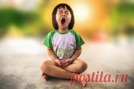 Зевайте! Исследования показывают, что зевание помогает охладить мозг, в результате чего мы становимся внимательнее и начинаем мыслить эффективнее.