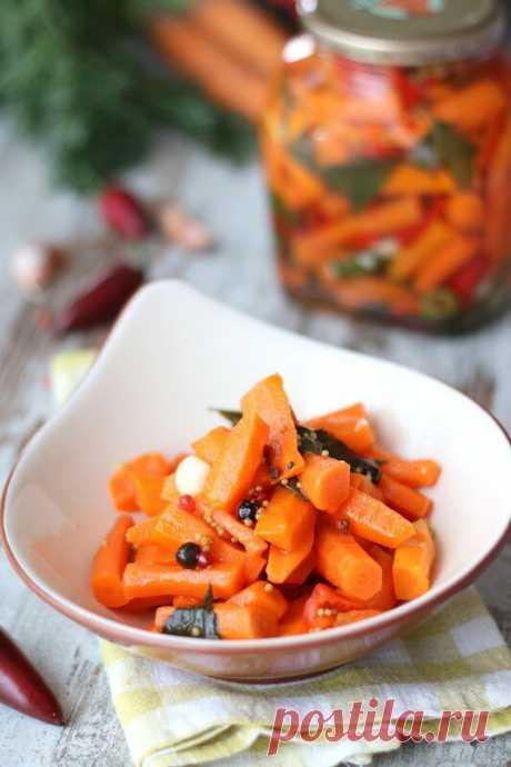 """Пряная морковь Этот рецепт стал для меня настоящим открытием. Морковь всегда казалась мне достаточно скучным овощем. Да, мне нравится глазированная морковь, морковные супы и многие другие блюда. Но чтобы сказать """"Ах! Как это вкусно!"""" - это, по-моему, совсем не про морковь. Та же свекла куда как интереснее...…"""