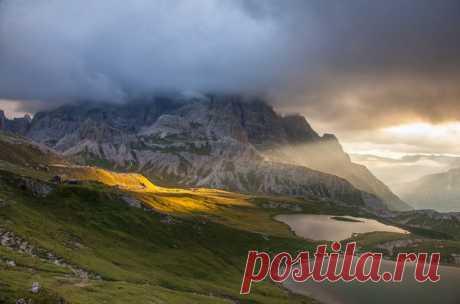 Los Alpes de dolomita, Italia. El autor de la foto — Olga Ershova: