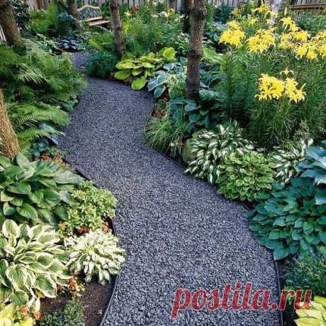 Дешевые материалы, из которых можно сделать роскошные дорожки для сада (будет стильно и совсем без грязи)