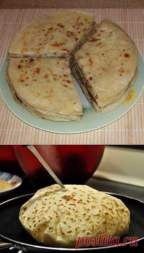 Балкарские хичины (лепешки с сыром и картофелем)