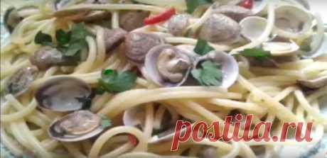 Простые Рецепты : Спагетти алле вонголе - спагетти с молюсками, морскими ракушками - Простые Рецепты.