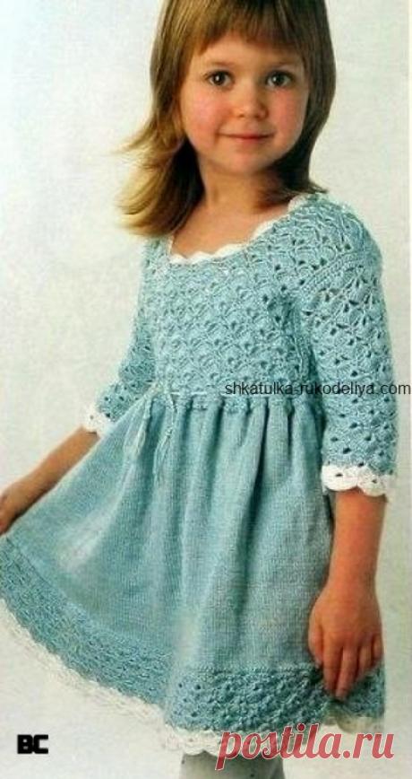 Платье для девочки 3-4 лет Вязаное платье для девочки 3-4 лет спицами и крючком. Вязаное детское платье спицами с описанием