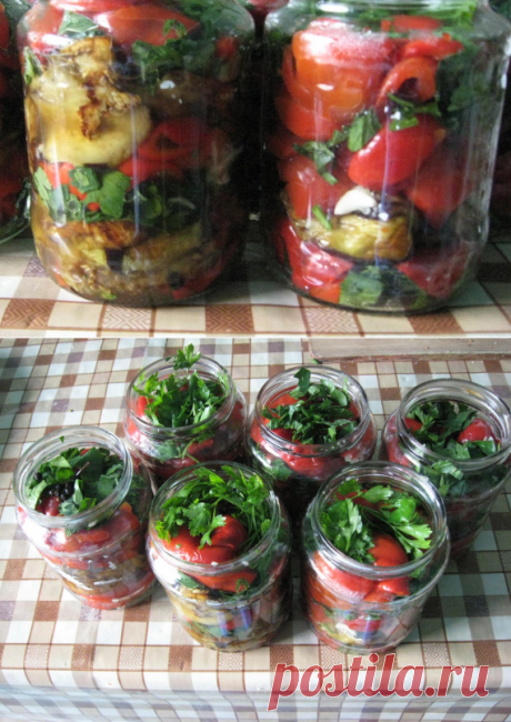 Салат из баклажанов, перцев и помидоров на зиму