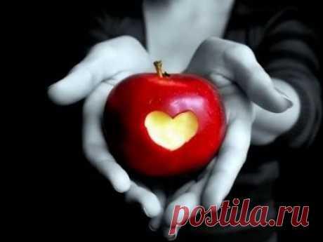 Как приворожить мужчину: сильная присушка на яблоко