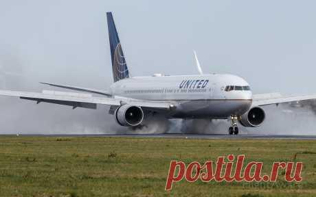 Фото United B763 (N657UA) - FlightAware