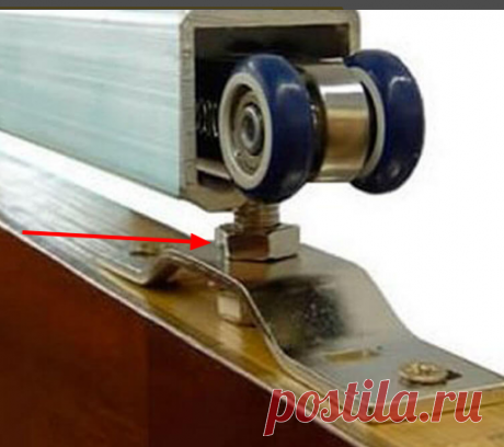Ремонт шкафа купе: замена роликов и направляющих для дверей
