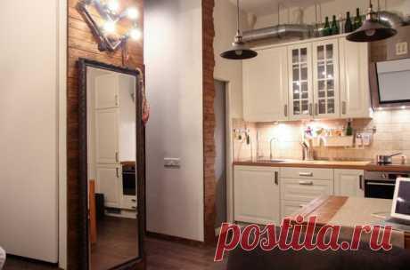 Разместить на 29 квадратных метрах просторную кухню, гостиную зону, полноценное спальное место и удобные системы хранения – реально. Вместе с дизайнером Александром Феськовым раскрываем секреты