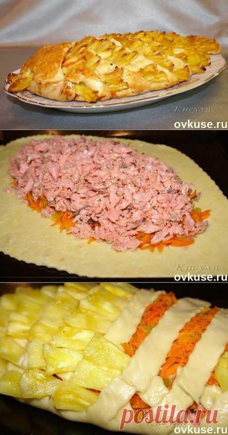 Пирог с рыбой и ананасом