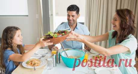 Меню на неделю для семьи из 3 человек: рецепты и список продуктов Планирование питание наперед позволяет выкроить для домашних дел и своих родных больше времени. Меню на неделю для семьи из 3 человек поможет распределить семейный бюджет и сделать закупки заранее.